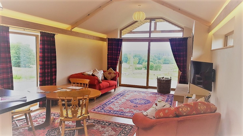 Self catering cottage near Hexham - comfortable lounge and dining area.